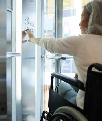 Maintenance ascenseur et accessibilité personne à mobilité réduite